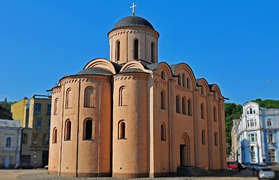 Церква Успіння Богородиці Пирогощі