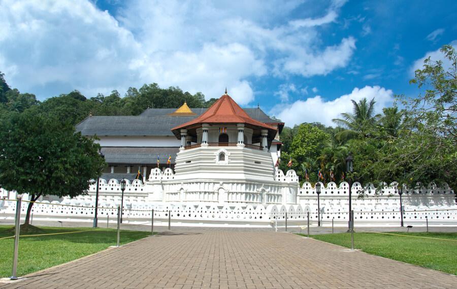 Храм Священний Зуб Будди